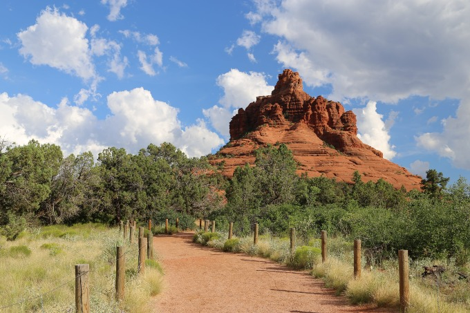 A popular hiking trail next to an off-grid place in Arizona