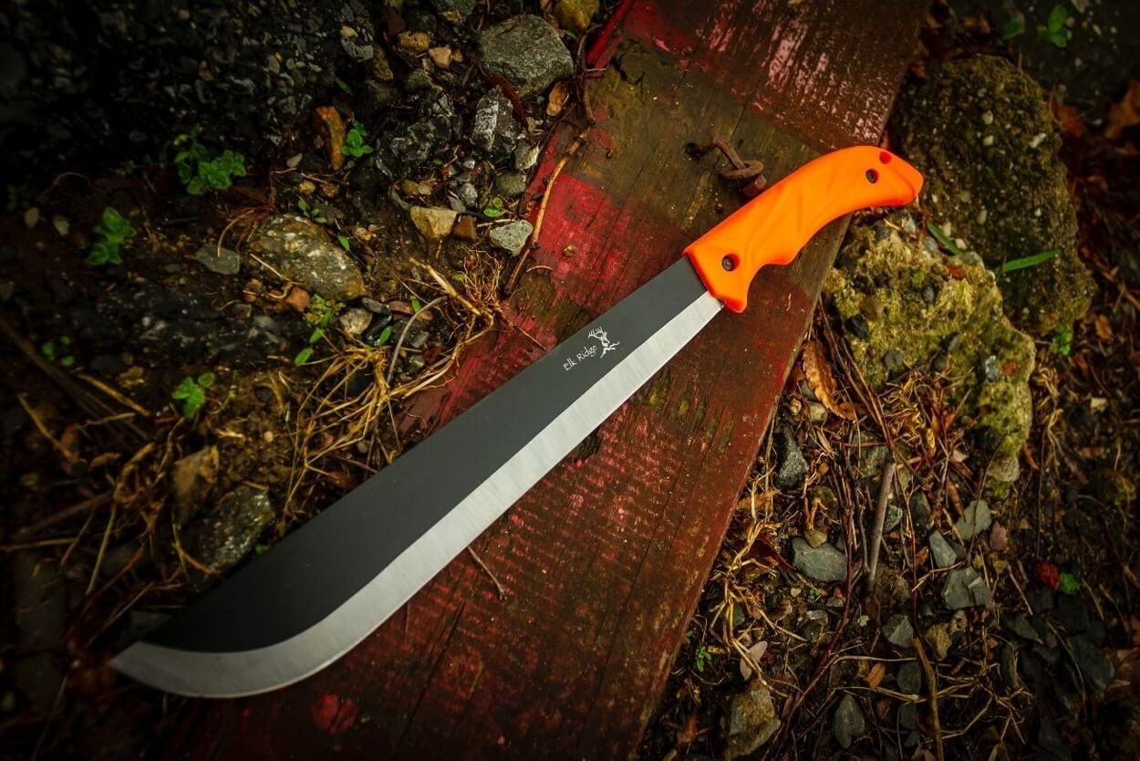 One of the best survival machetes on the ground